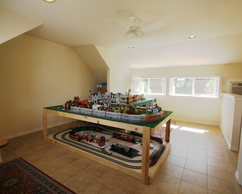 Garage Hobby Room 708 Studios